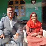 An army veteran Sub Major Rulia Ram Walia and Smt Rajeswari Devi, the parents of Major Sudhir Kumar