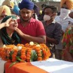 People paying their last respects to Nb Sub Mandeep Singh