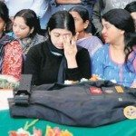 Radhika, widow of Lt Col Niranjan paying tributes to her husband