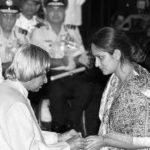 """Mrs Disha Sharma wife of Maj Lalit Prakash Sharma receiving """"Shaurya Chakra"""" award from President Abdul Kalam"""