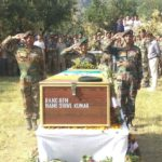 Soldiers paying tributes to Rifleman Shive Kumar