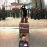 Soldiers paying their respects to Lance Naik Nazir Ahmad Wani