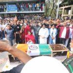 People paying tributes to Maj Shashidharan Nair