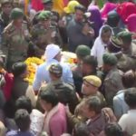 People pay their last respects to Havaldar Sheo Ram