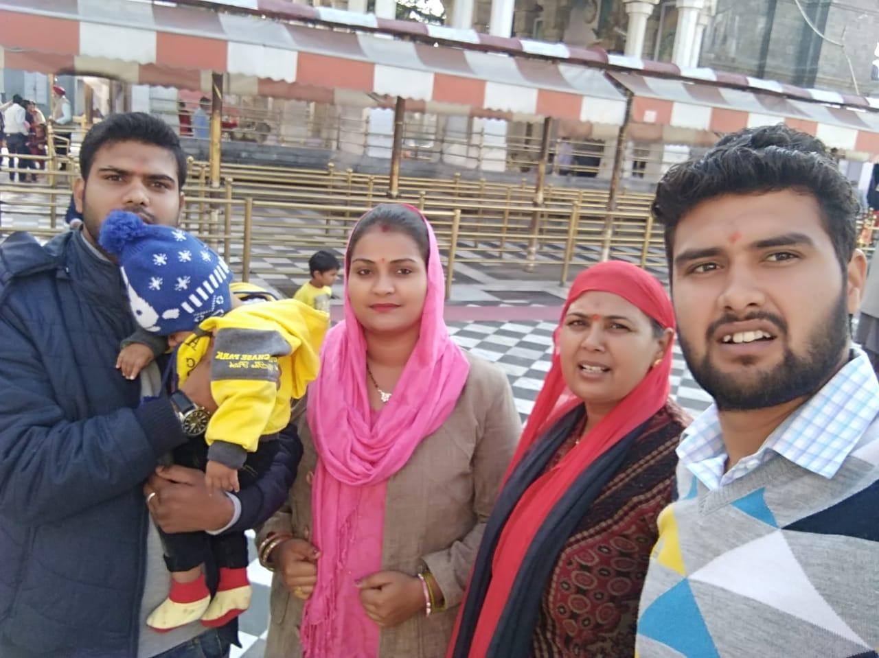Cpl Pankaj Kumar with his family members