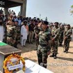 Army personnel paying tribute to Rifleman Karamjit Singh