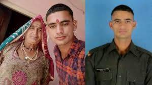 Gdr Hemraj Jat with his mother