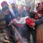 Gnr Ranjit Singh's 3-months old daughter lighting the pyre of her father