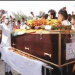 People paying tributes to Lance Naik Raj Singh