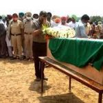 People paying their tributes to Sep Amardeep Singh