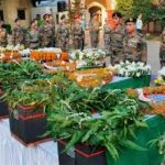 Army officers pay tributes to Hav Sunil Kumar