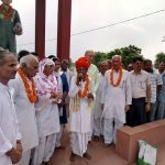 BJP Leader Mr. Veer Kumar ji paying tribute to Flt Lt Akash Yadav on 9th August 2017 to mark the occasion of anniversary of Quit India