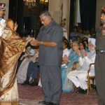 Major Kumandur Prabhakar Vinay family member reciving the award