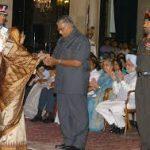 Major Kumandur Prabhakar Vinay family member reciving the award