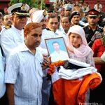 Parents pay their last respects to SEA I Atul Sharma