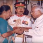 Major M Saravanan's mother receiving VrC from President of India