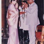 Mrs Shakuntala Bhandarkar wife of Lt Col Ajit Bhandarkar receiving Shaurya Chakra Award from the President