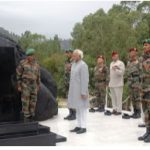 Vice President Hamid Ansari laying a wreath at the bust of late Brigadier Mohammed Usman at Jhangar, Naoshera in Jammu & Kashmir