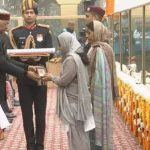 Corporal Jyoti Prakash Nirala's wife Sushma Nand receiving the Ashok Chakra award